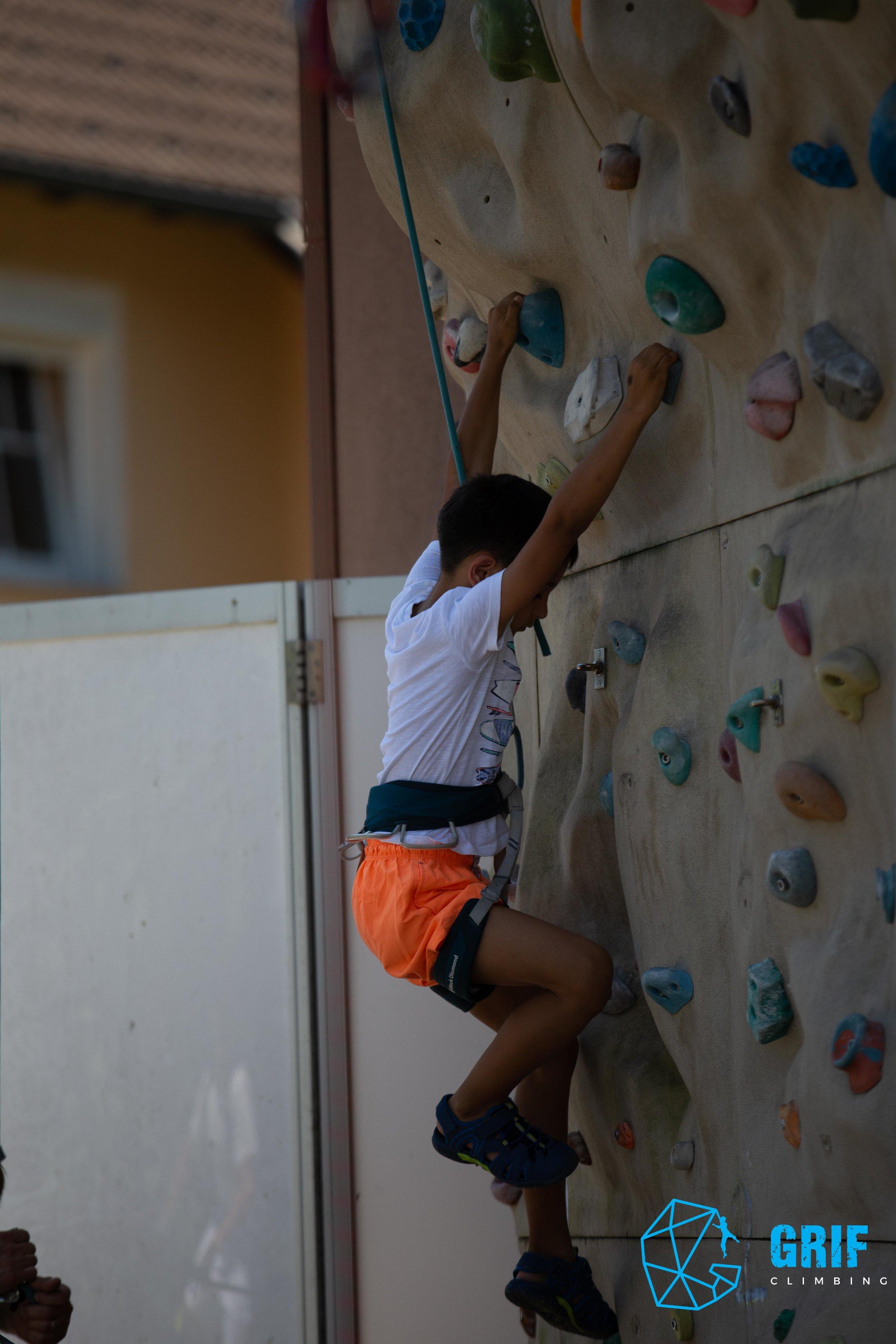 Aktivno počitniško varstvo za otroke Plezalno društvo Grif61.jpg