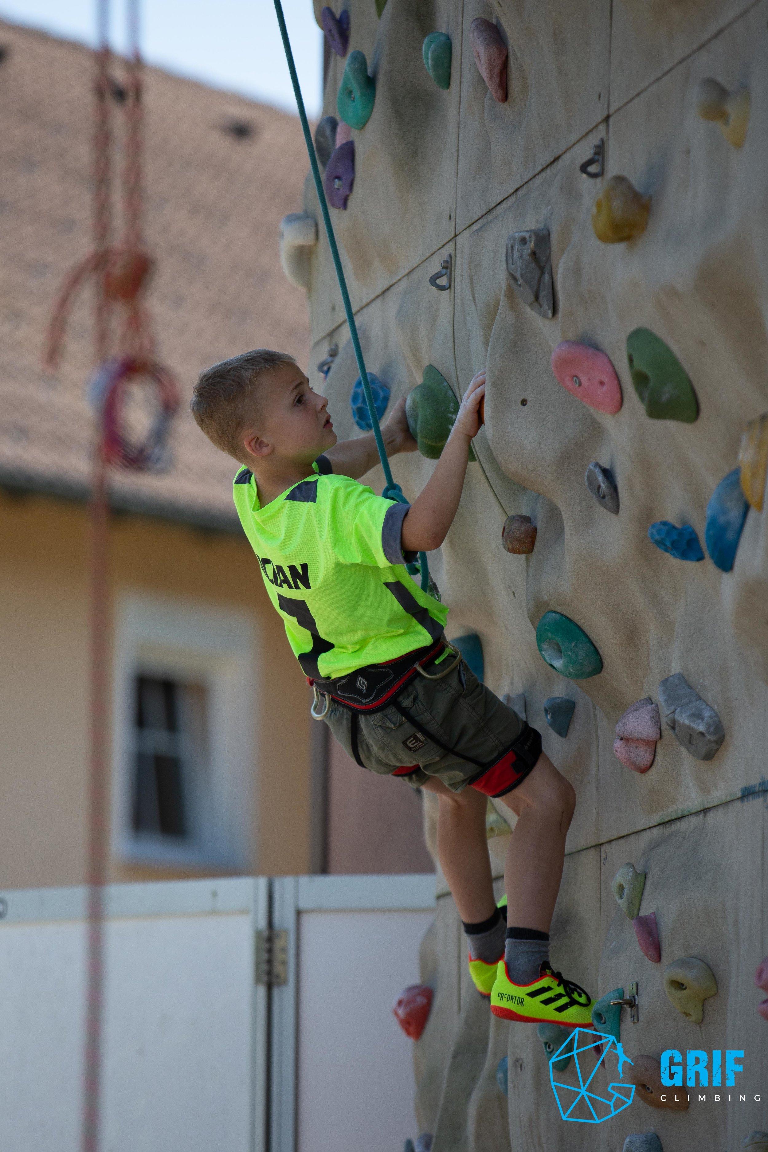Aktivno počitniško varstvo za otroke Plezalno društvo Grif64.jpg