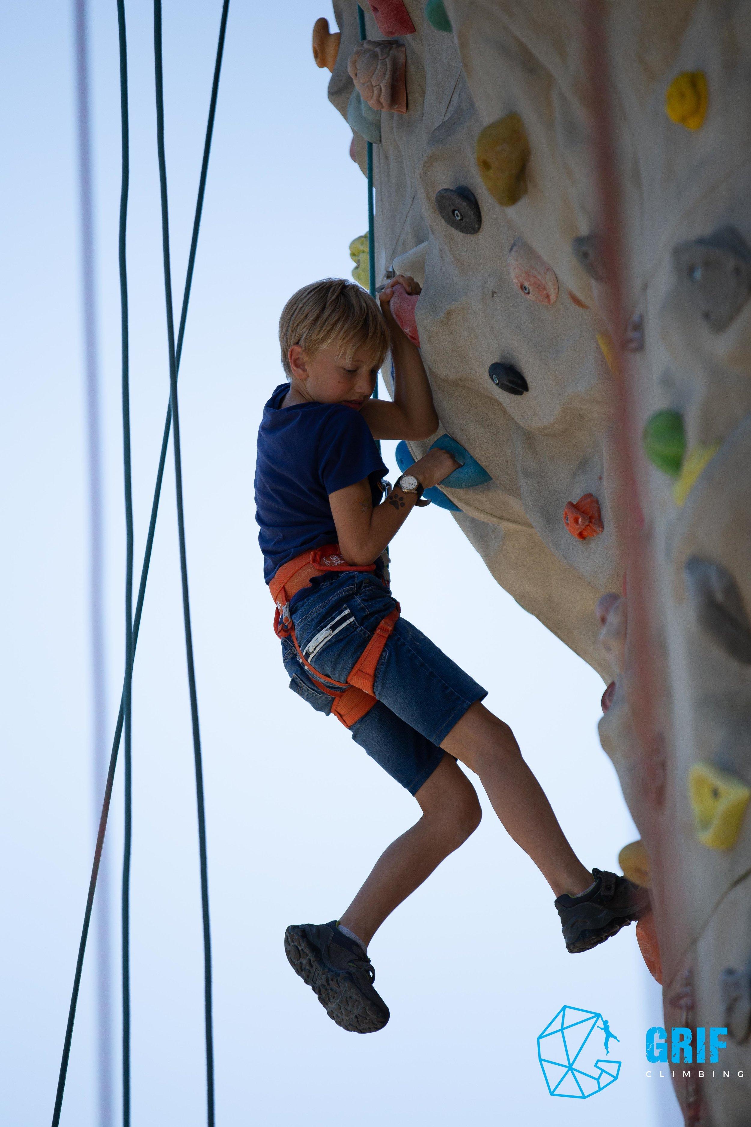 Aktivno počitniško varstvo za otroke Plezalno društvo Grif71.jpg