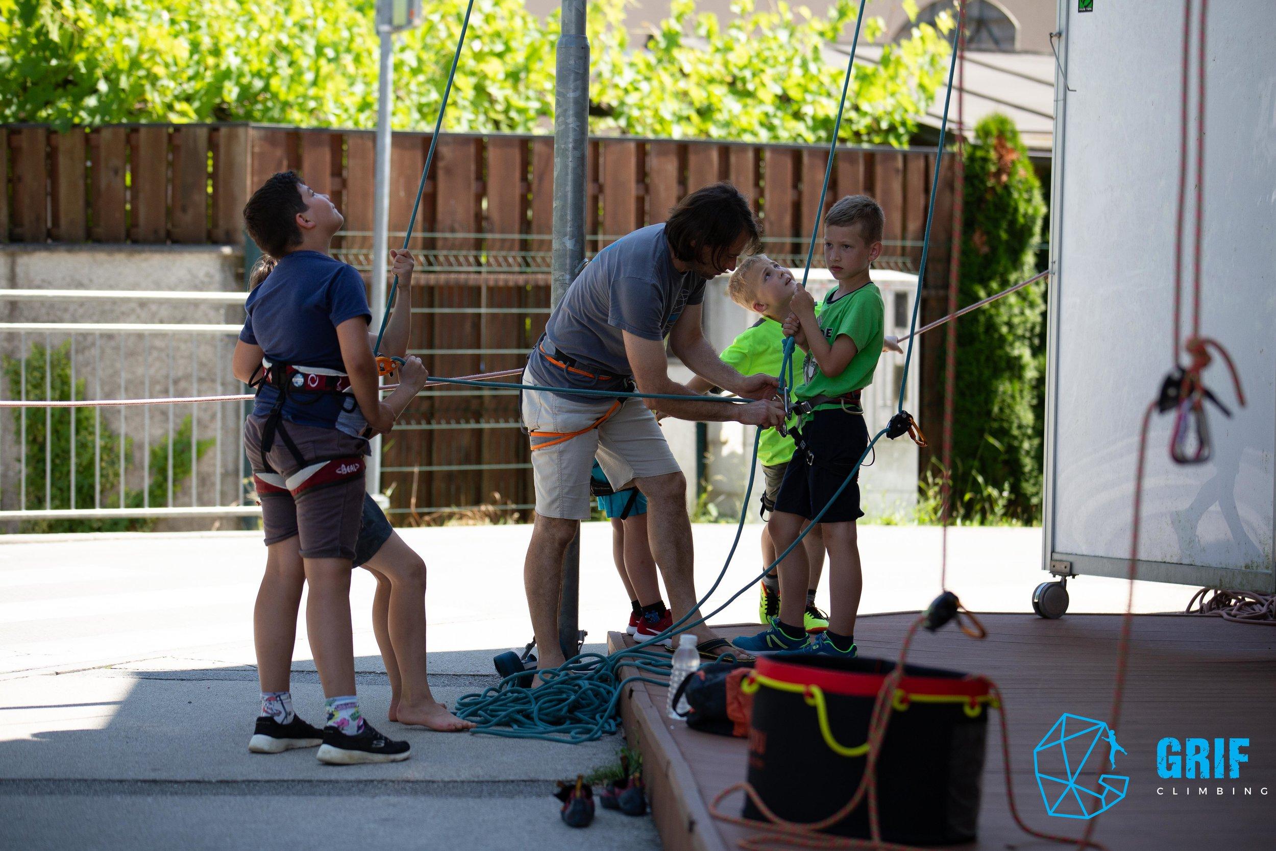 Aktivno počitniško varstvo za otroke Plezalno društvo Grif117.jpg