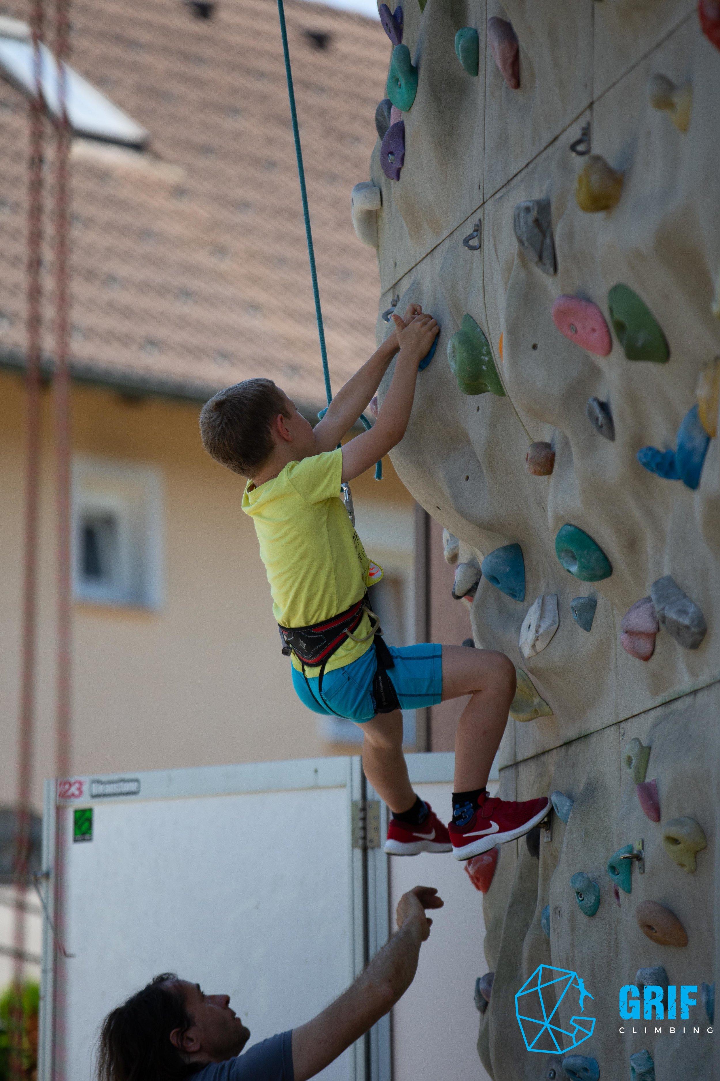 Aktivno počitniško varstvo za otroke Plezalno društvo Grif130.jpg