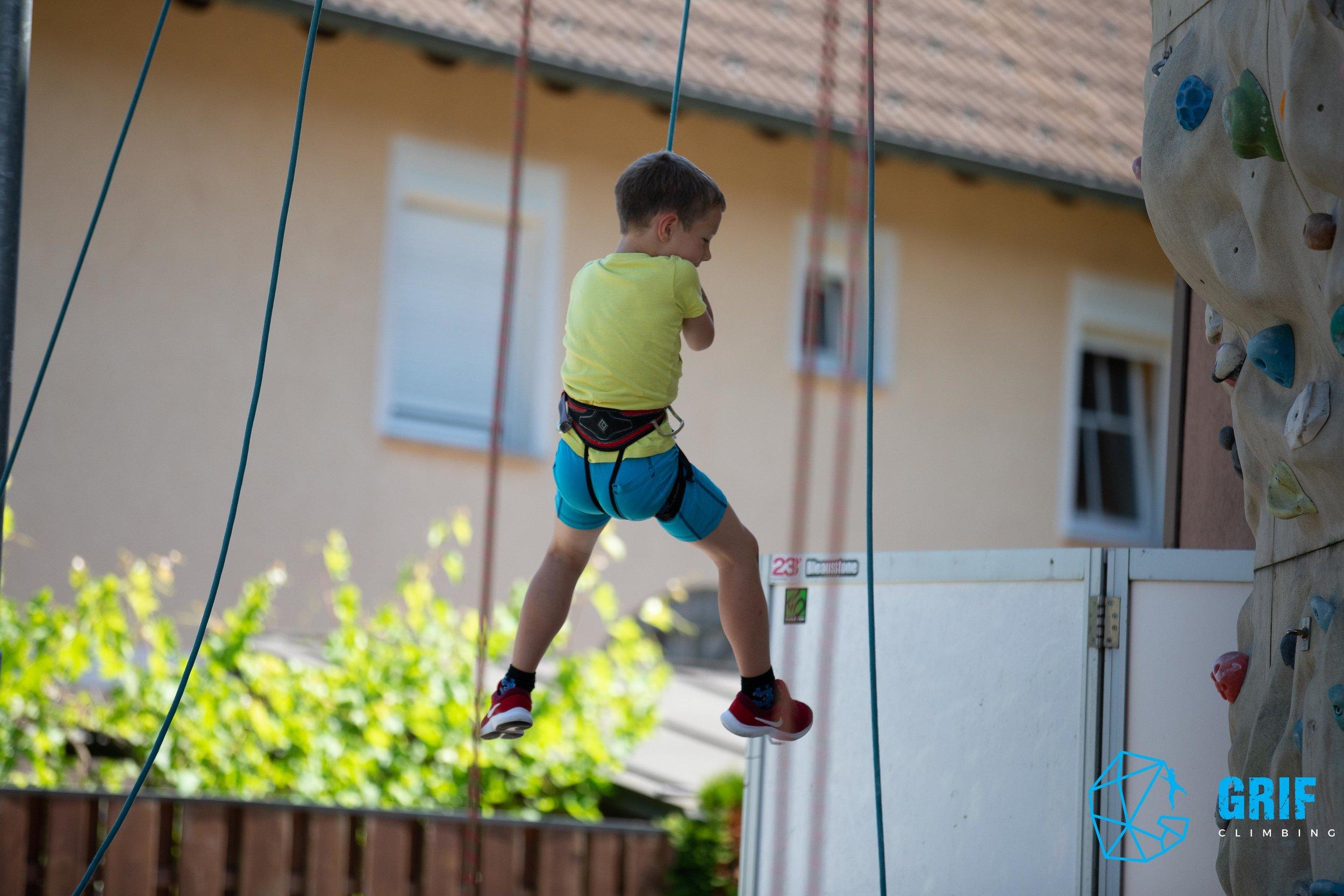 Aktivno počitniško varstvo za otroke Plezalno društvo Grif139.jpg
