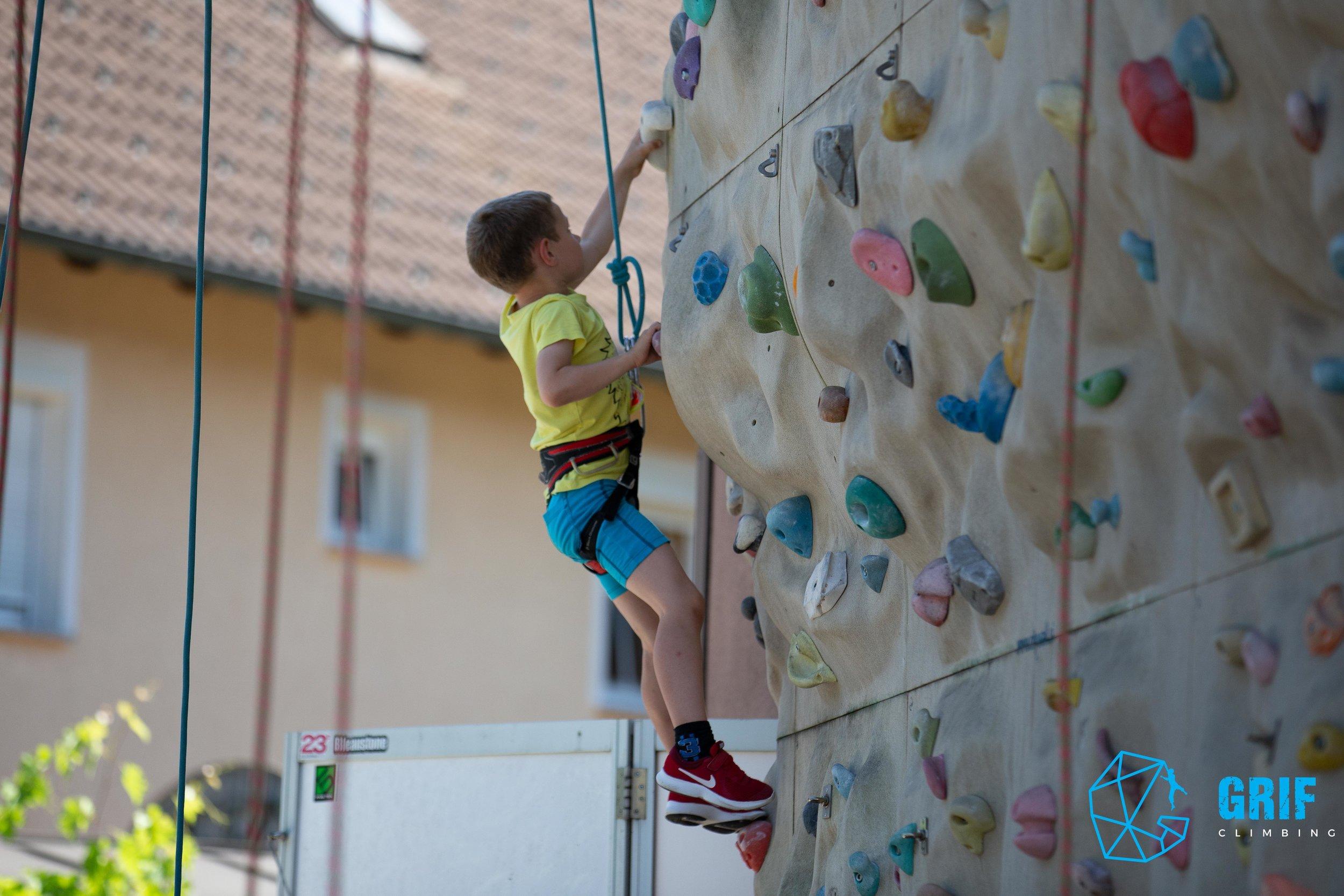 Aktivno počitniško varstvo za otroke Plezalno društvo Grif137.jpg