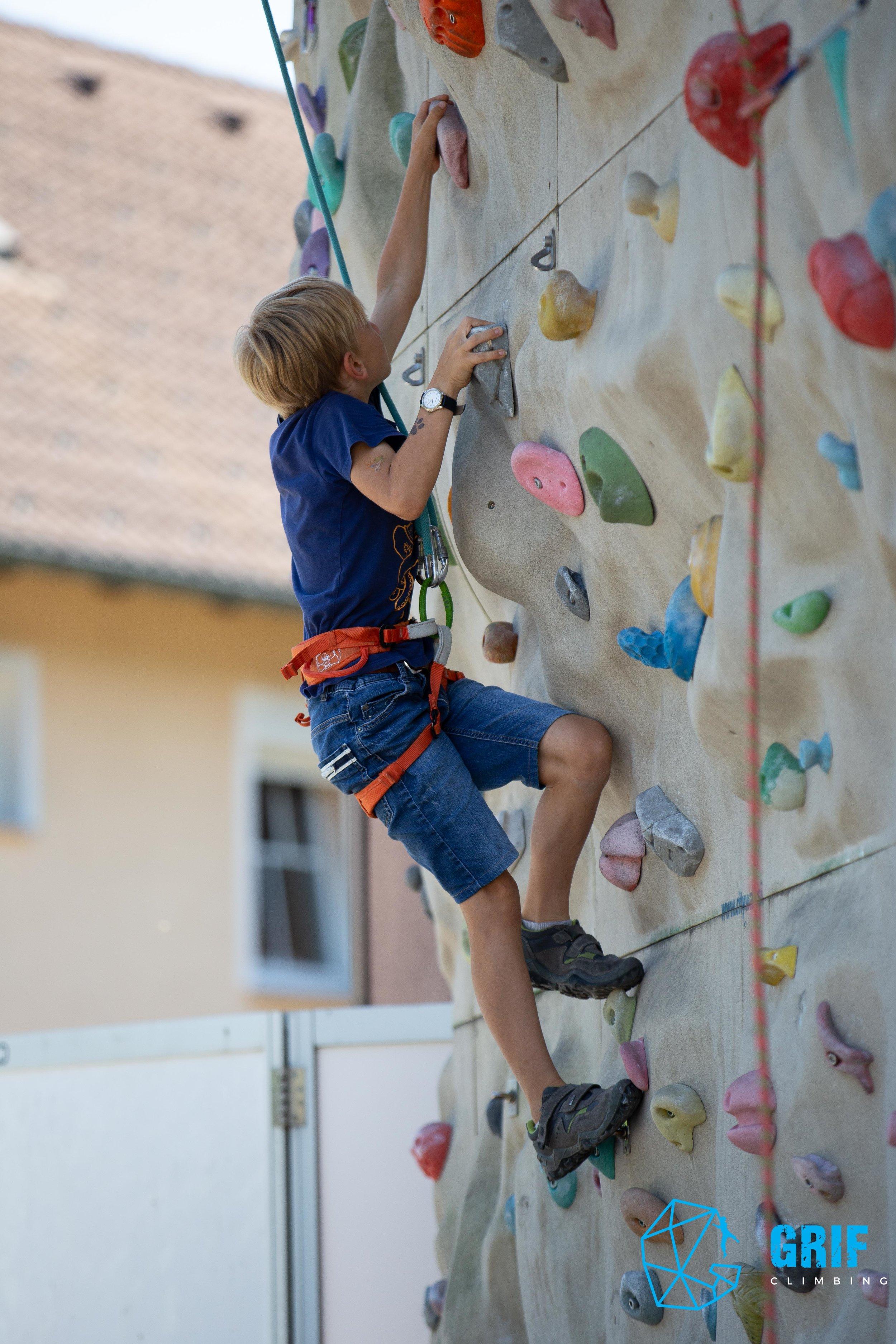Aktivno počitniško varstvo za otroke Plezalno društvo Grif144.jpg