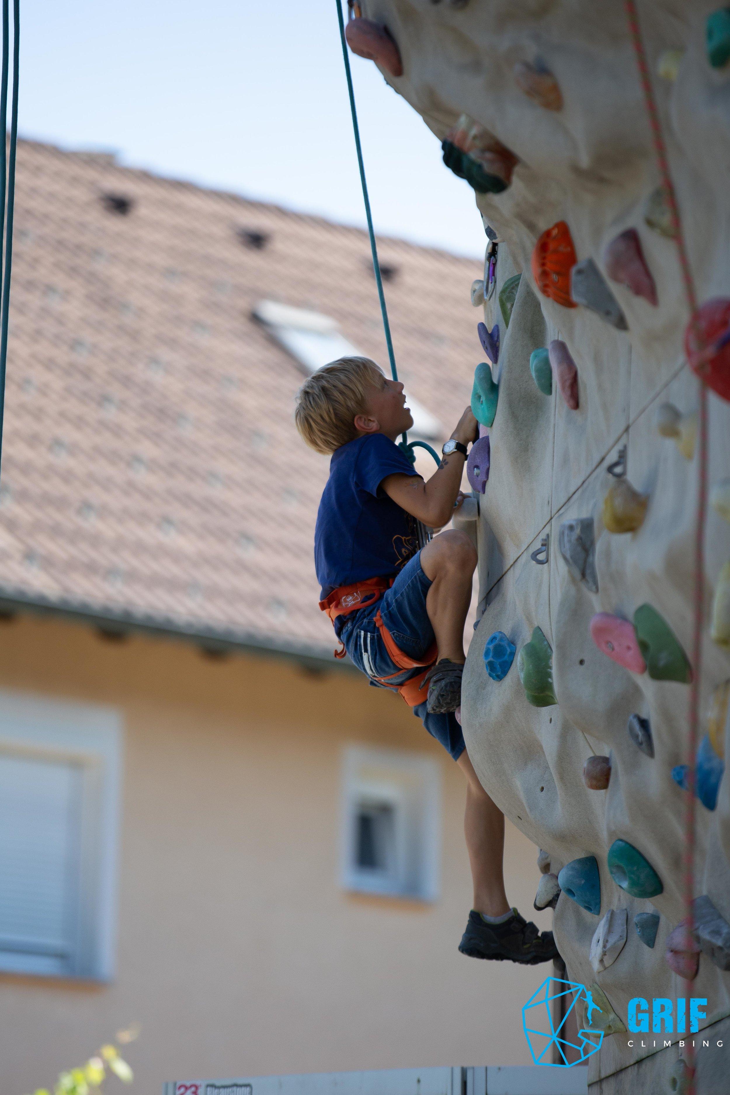 Aktivno počitniško varstvo za otroke Plezalno društvo Grif173.jpg