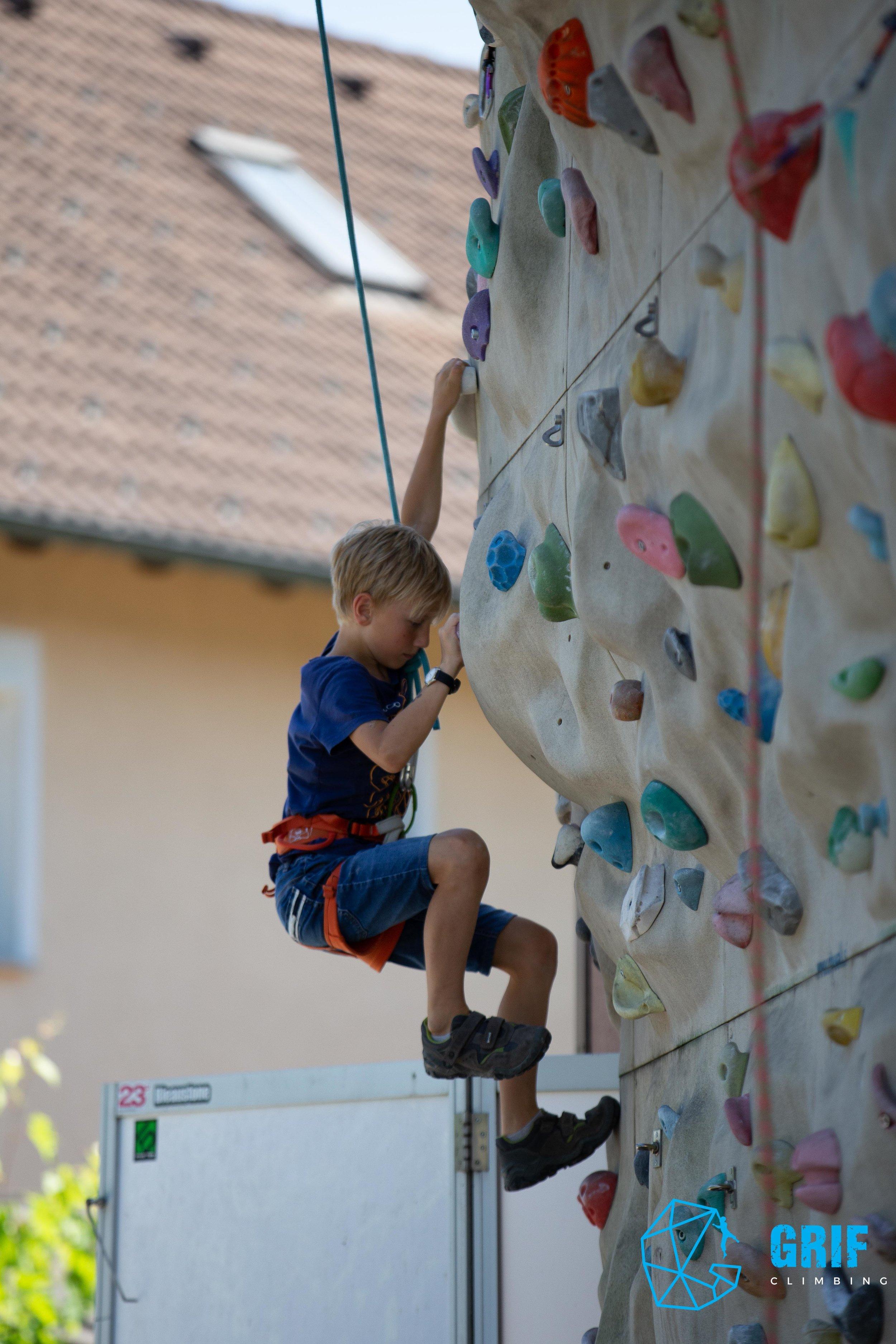 Aktivno počitniško varstvo za otroke Plezalno društvo Grif172.jpg