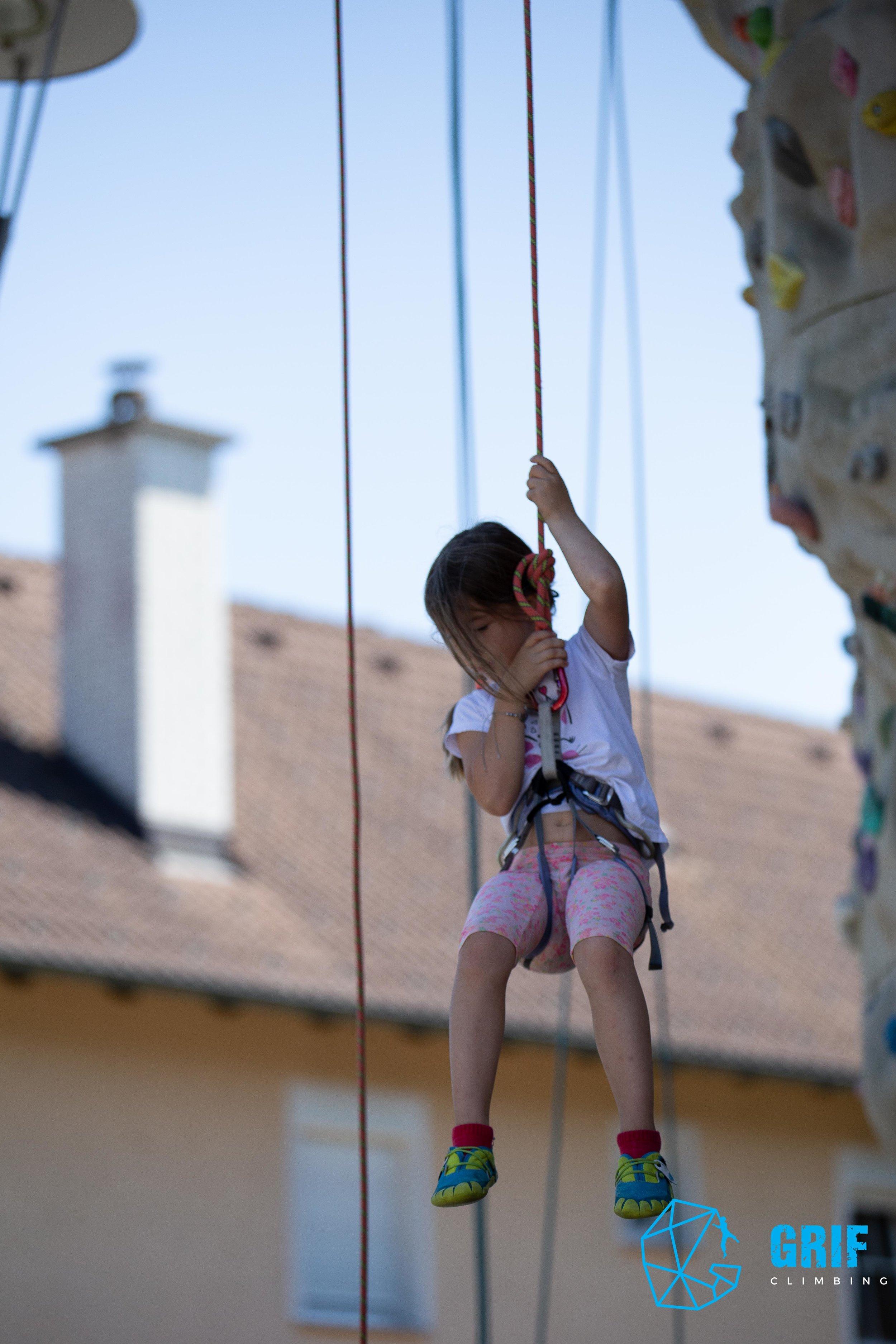 Aktivno počitniško varstvo za otroke Plezalno društvo Grif176.jpg