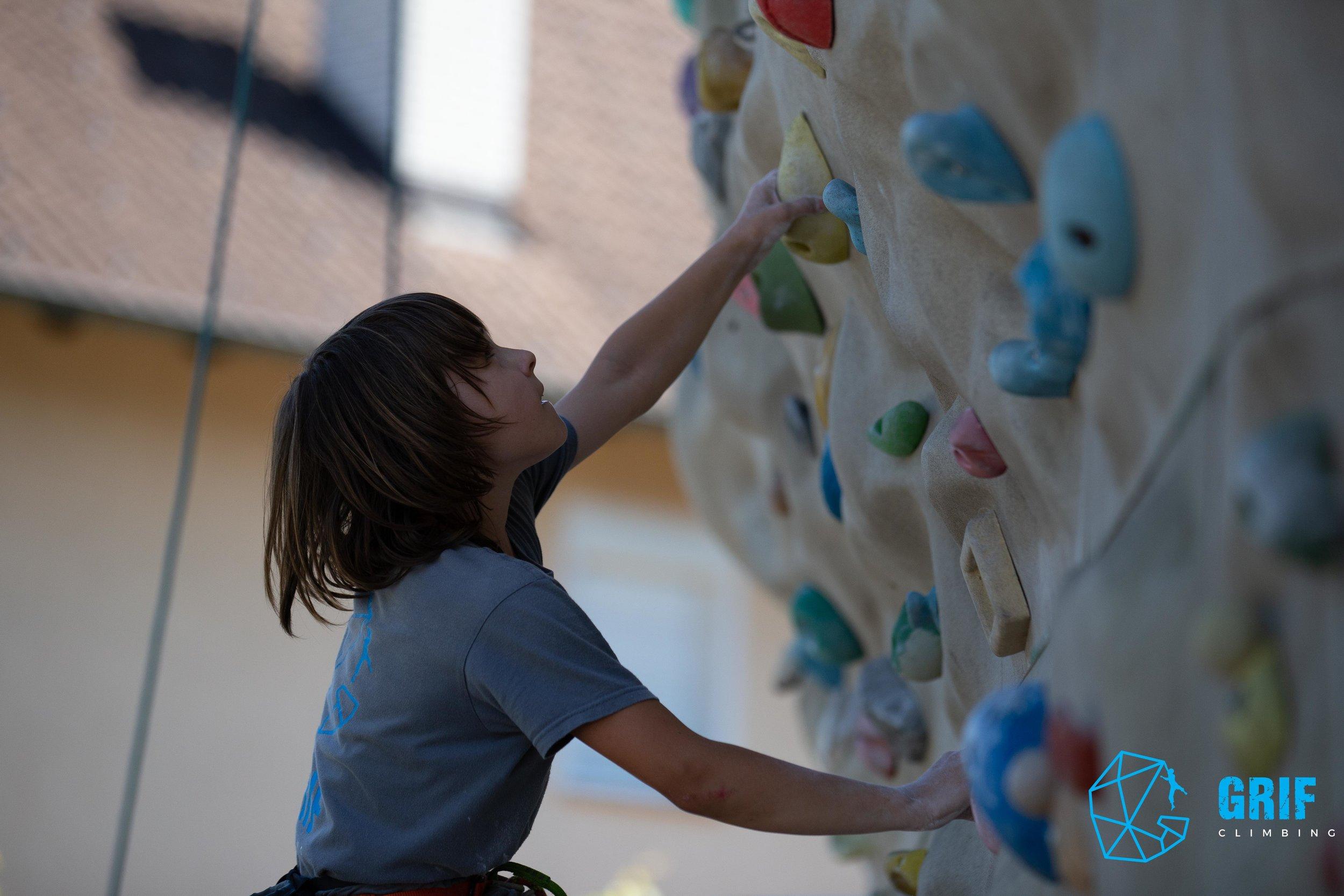 Aktivno počitniško varstvo za otroke Plezalno društvo Grif177.jpg