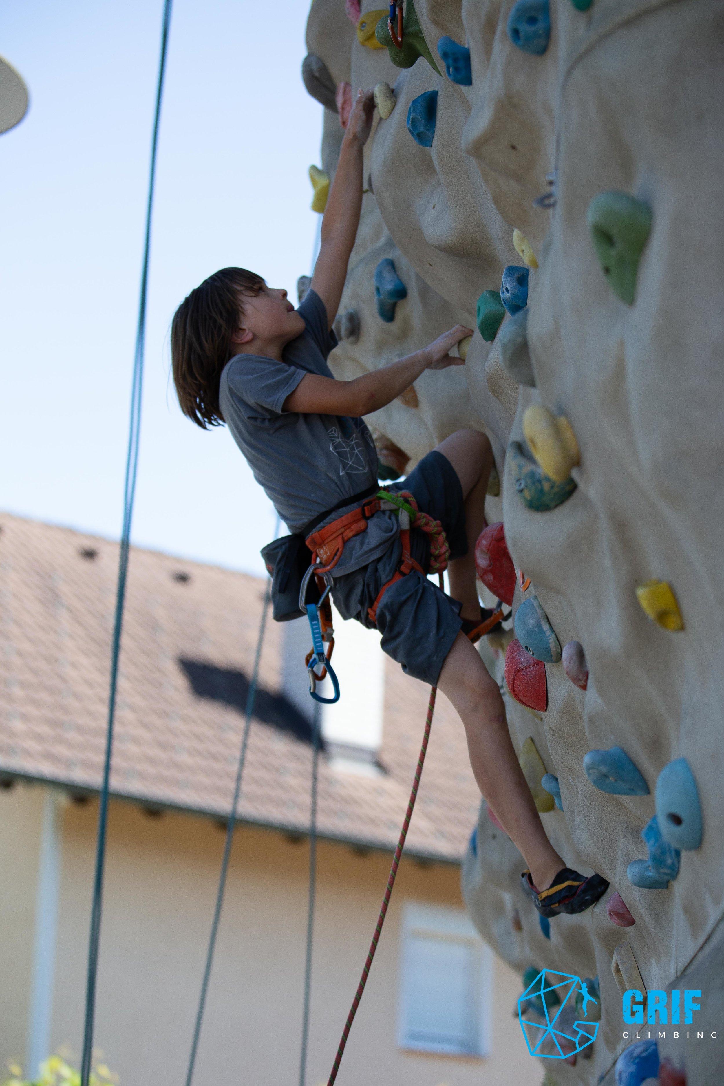 Aktivno počitniško varstvo za otroke Plezalno društvo Grif180.jpg