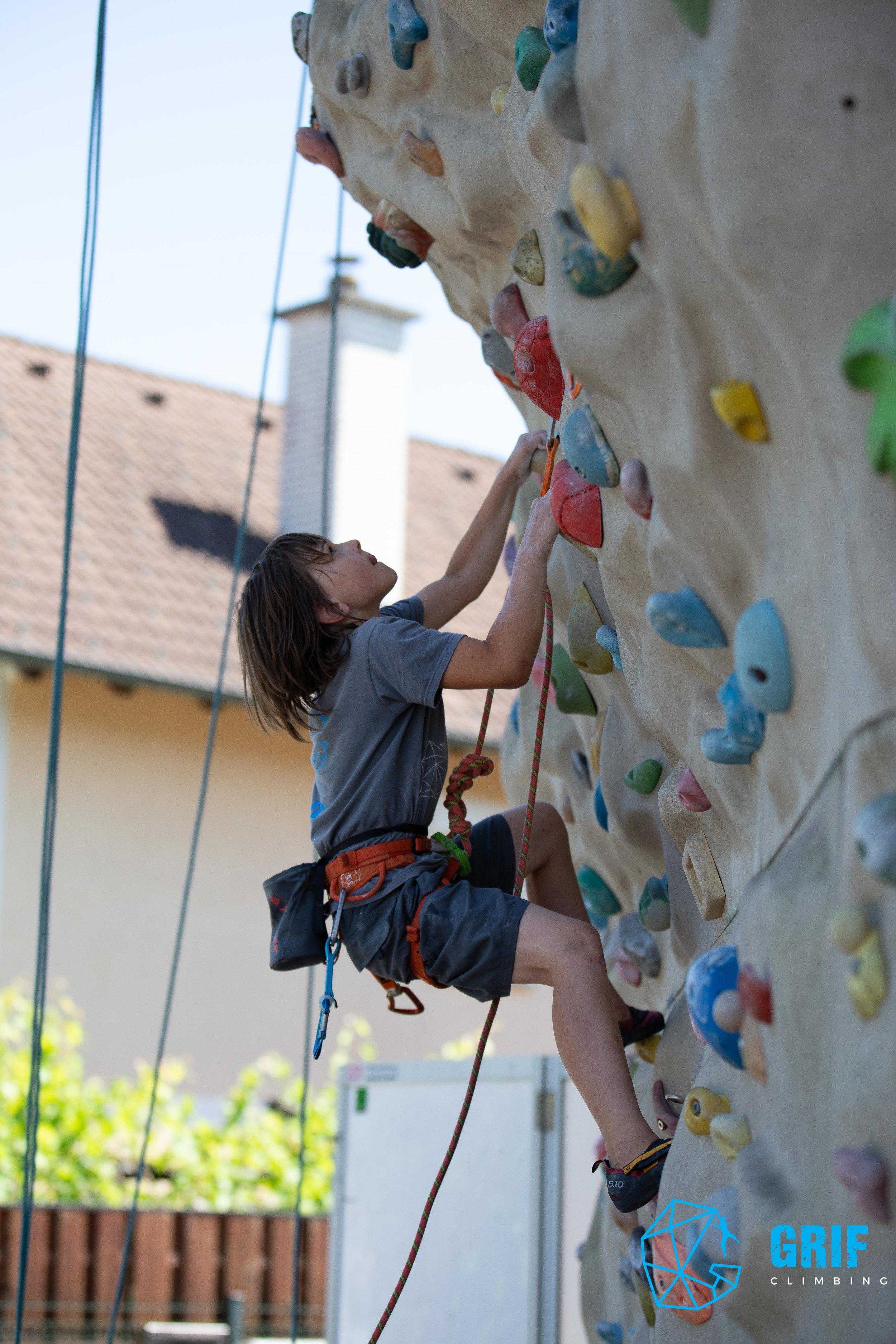 Aktivno počitniško varstvo za otroke Plezalno društvo Grif179.jpg