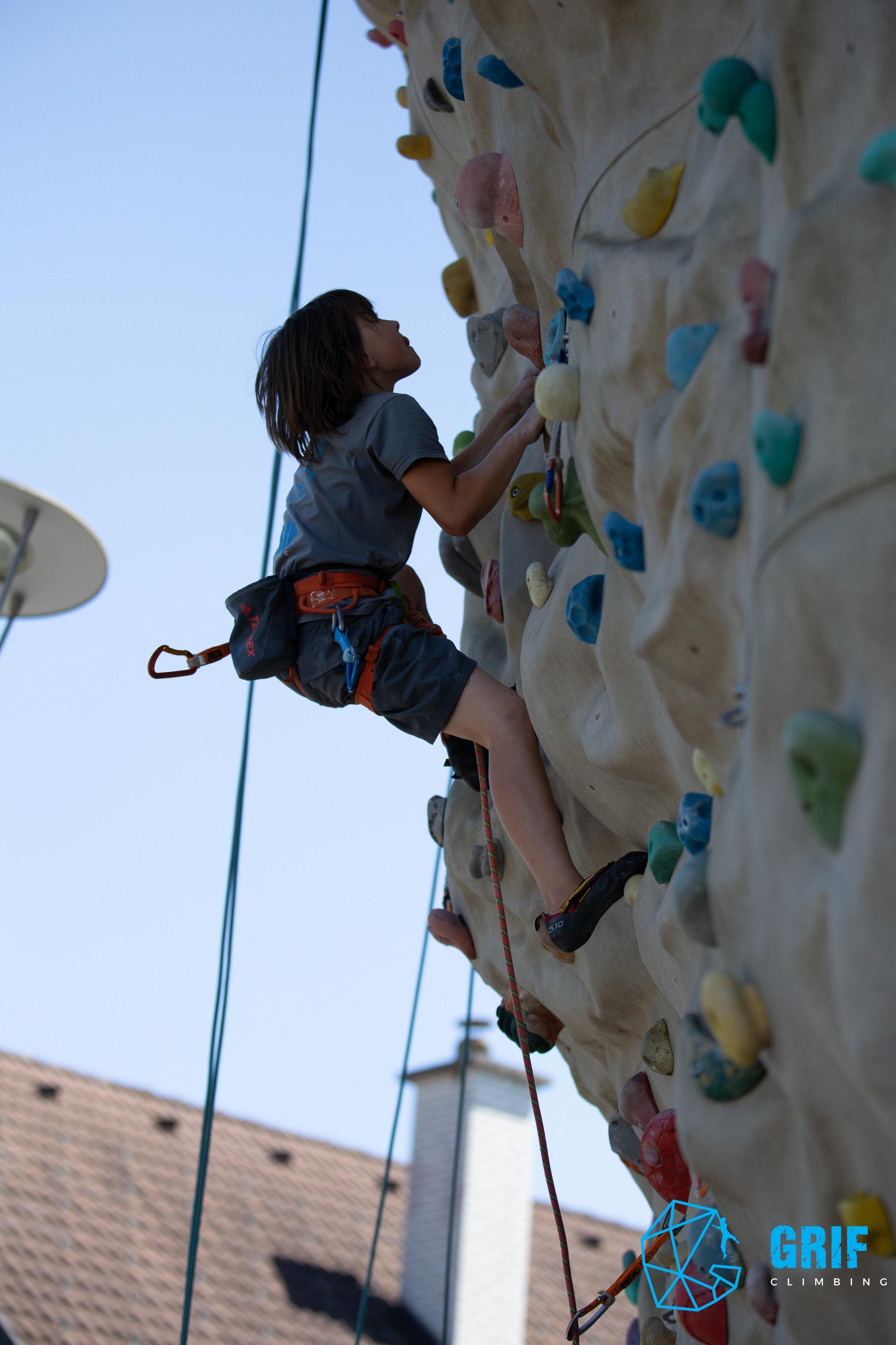 Aktivno počitniško varstvo za otroke Plezalno društvo Grif183.jpg