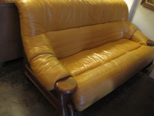 Yellow Leather Casa Victoria Vintage