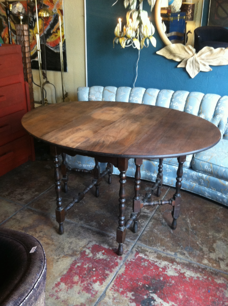Round Table With Unique Gate Legs