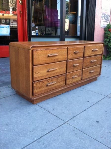 Vintage 9-Drawer Dresser
