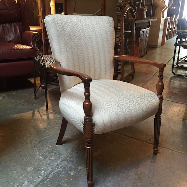 1940s Traditional Style Mahogany Chair