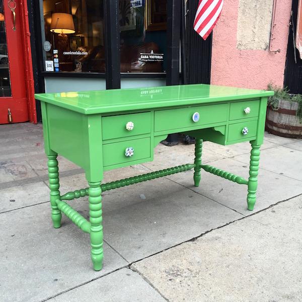 Contemporary Style Desk
