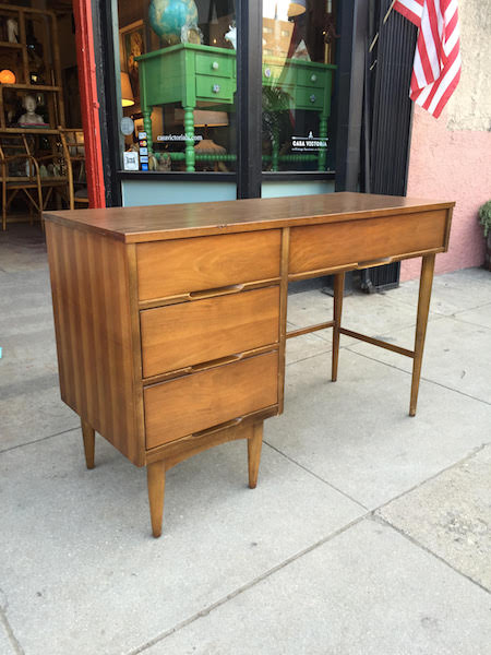 Mid-century Desk With Walnut Finish