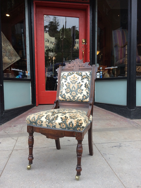 Classic Eastlake-style Chair