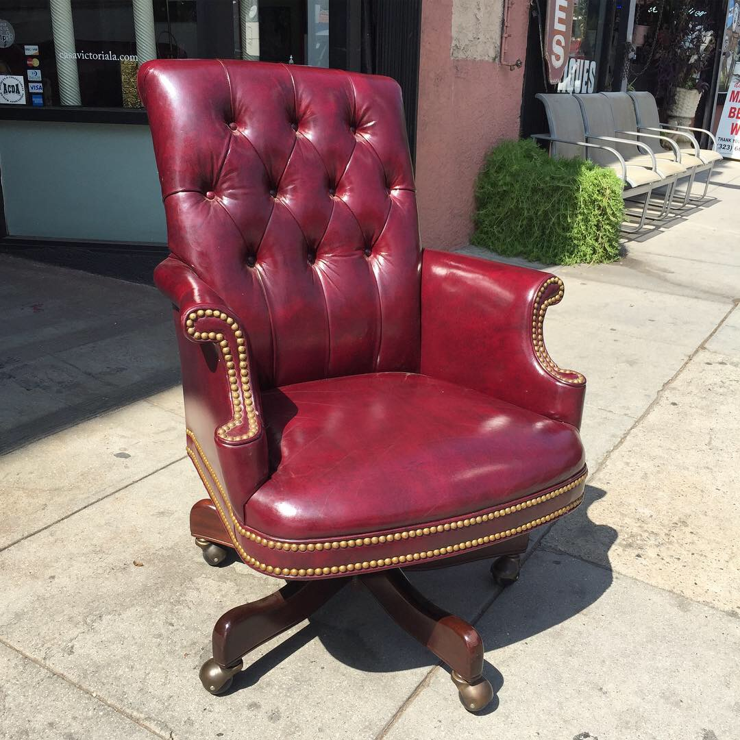 Classic Leather Executive Desk Chair