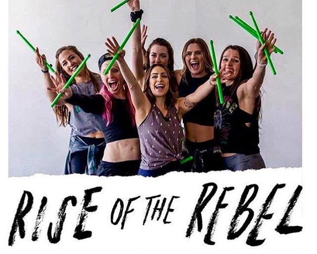#tbt 💚 🤘🏼Calling all fitness rebels who love to #makenoise and want to join our worldwide band.  Pound Pro Trainings ⚡️June 1 San Francisco 10-6pm ⚡️June 8 Wichita, KS 9-5pm  Level Up ⚡️June 15 San Francisco 10-6pm Register at Poundfit.com Use code Iconopperman to save 💰 Have an awesome day!! 😊 #pound #rockoutworkout