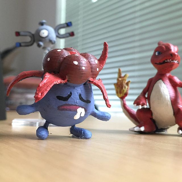 Gloom joins the squad #squadgoals Glooooooooooom  Custom requests on the cuddleburrito etsy shop  #Pokemon #3dprinted #diy #maker #miniatures #gottacatchemall #videogamelife #gamerlife #3dprinting #makeallthethings #custom