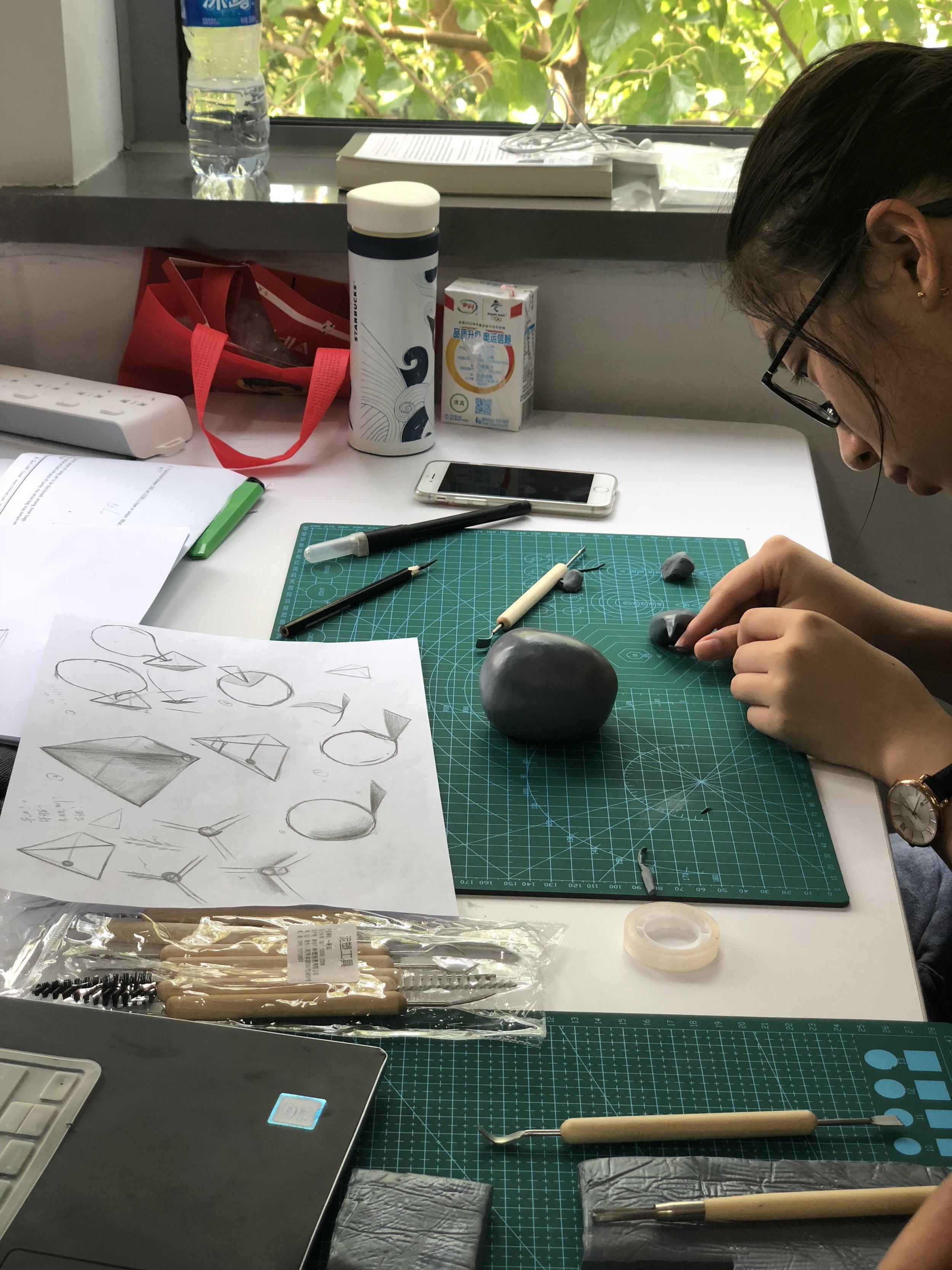 """Sculpting a """"grieving"""" form"""