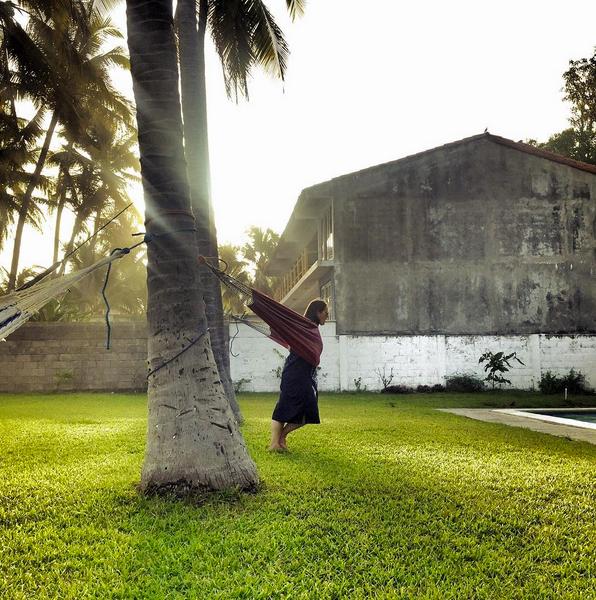 Amalia Mayita Mendez  ,  Lean In, Sister, El Salvador  (photograph)