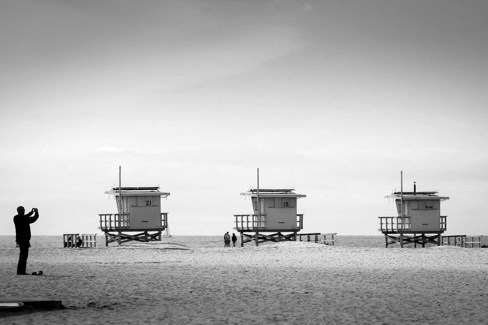 Eric Sean Rawson , Beach   Huts  (photograph)