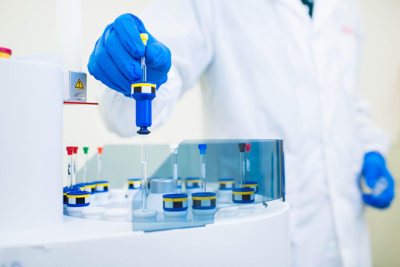FMC-corporate-chemical-lab-3.jpg