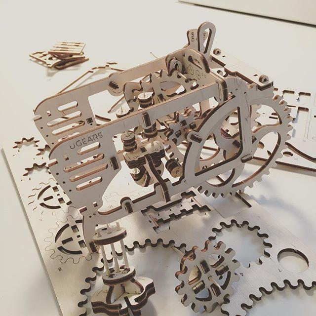 Börjar likna nått! #constructing #model #mechanics #automata
