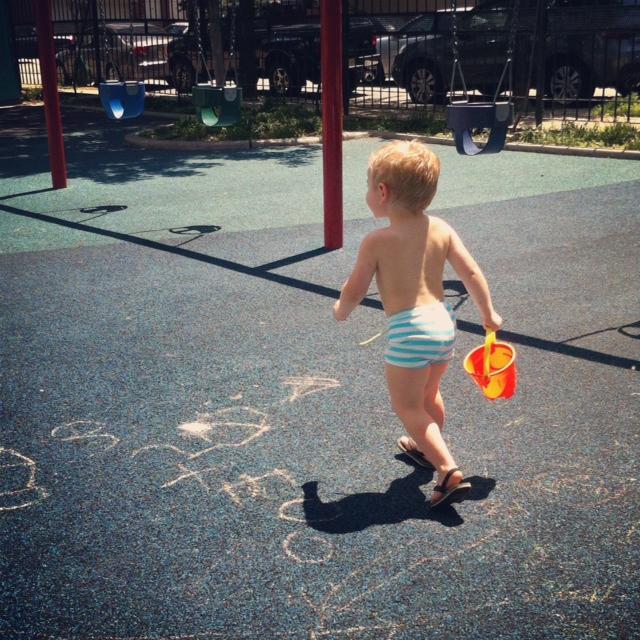 zara+swim+shorts+behind.png
