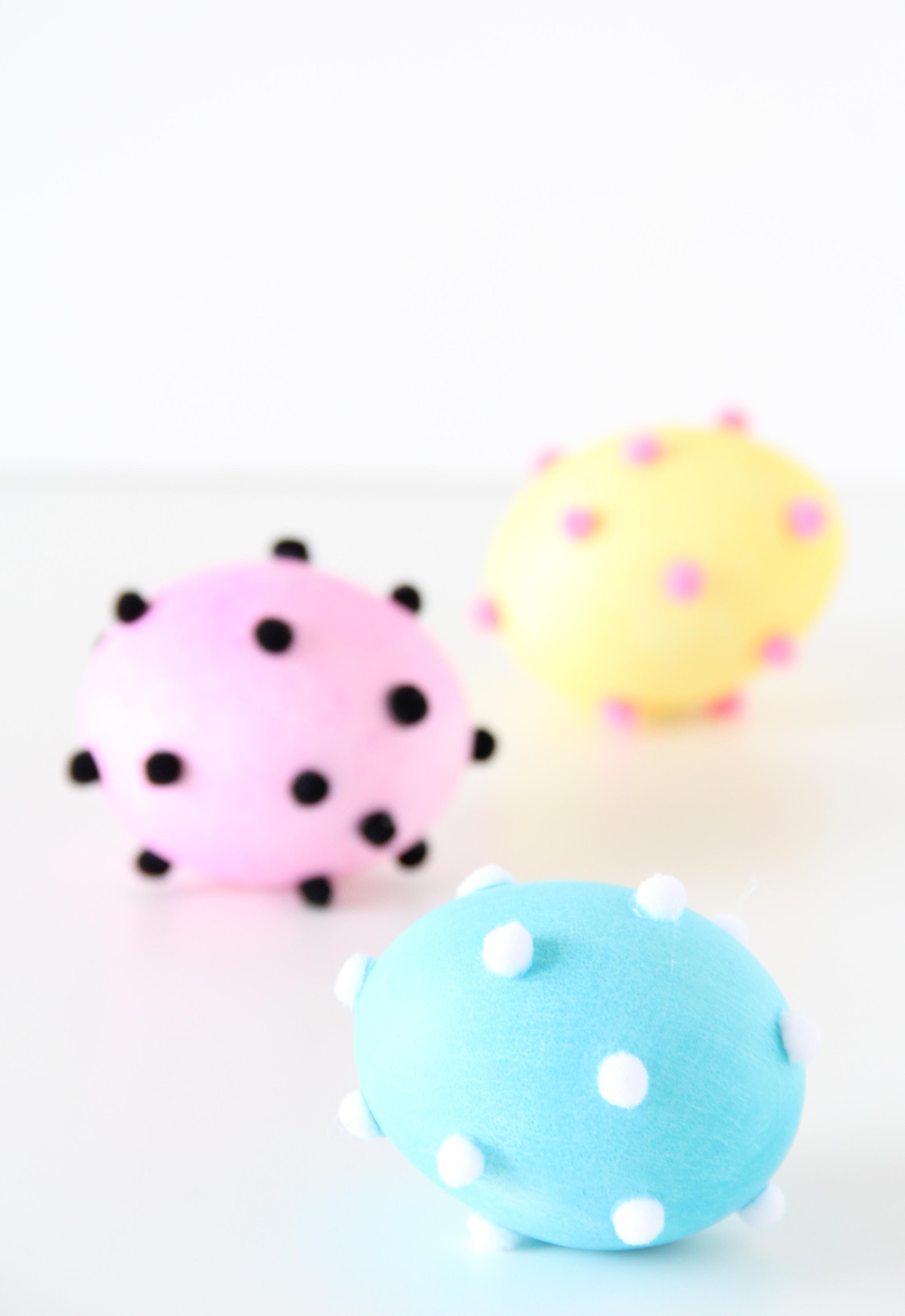 DIY pom pom Easter eggs!