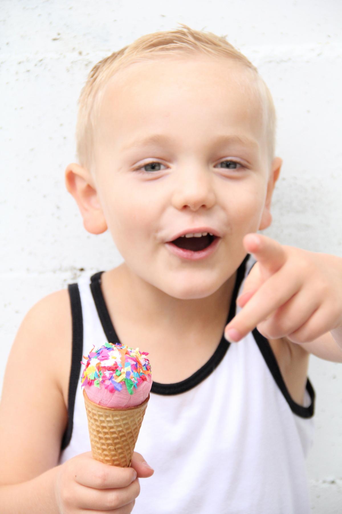 Ice cream surprise balls DIY