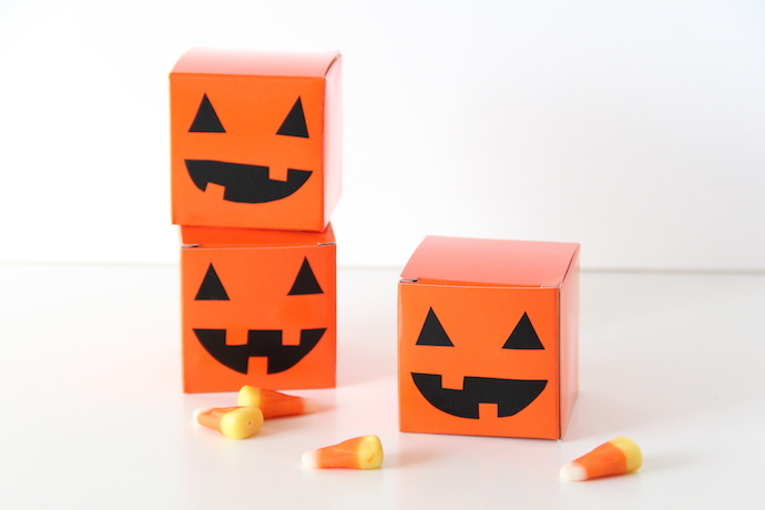 DIY jack-o-lantern treat boxes