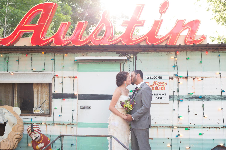 vintage-roadhouse-wedding-005.jpg