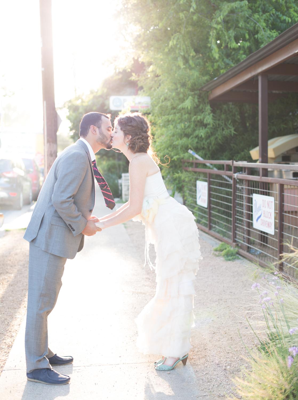 vintage-roadhouse-wedding-008.jpg