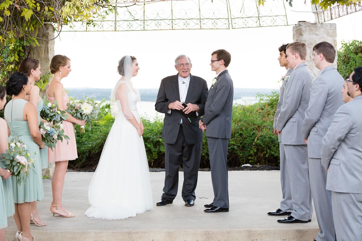austin-texas-wedding-photo-and-video-vintage-villas-009.jpg
