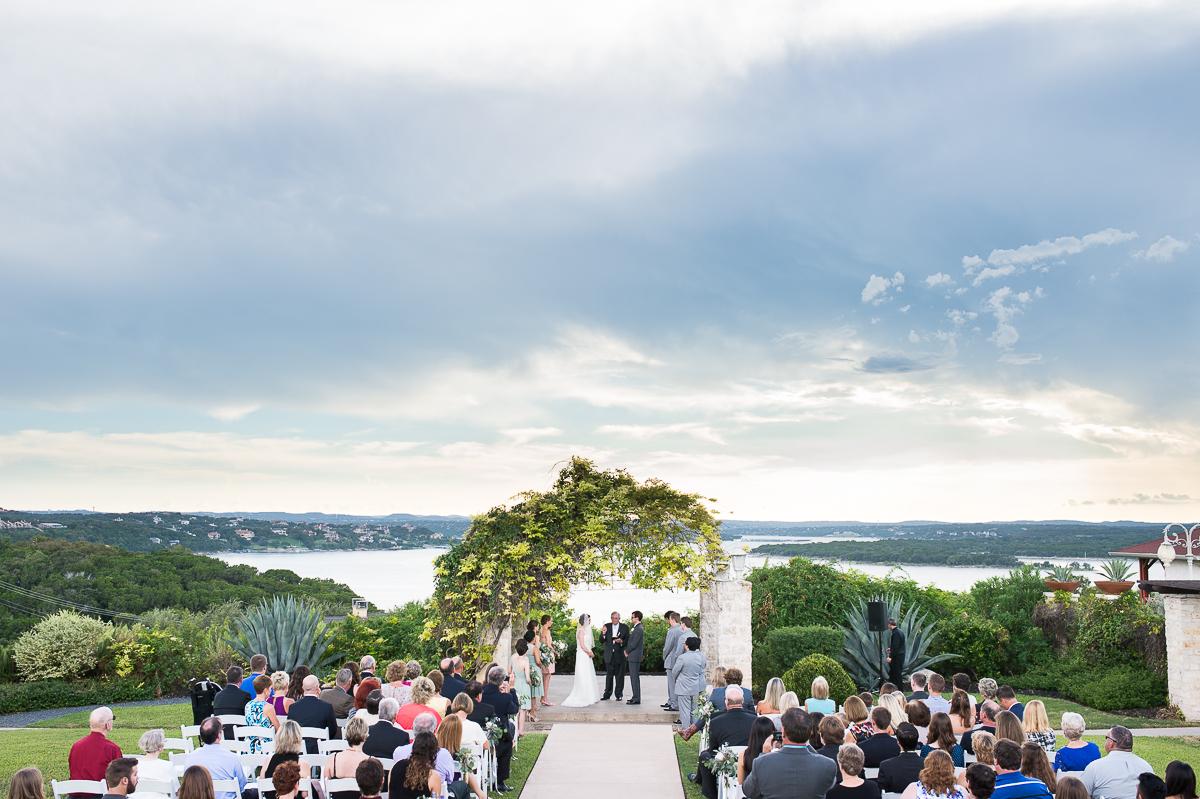 austin-texas-wedding-photo-and-video-vintage-villas-010.jpg