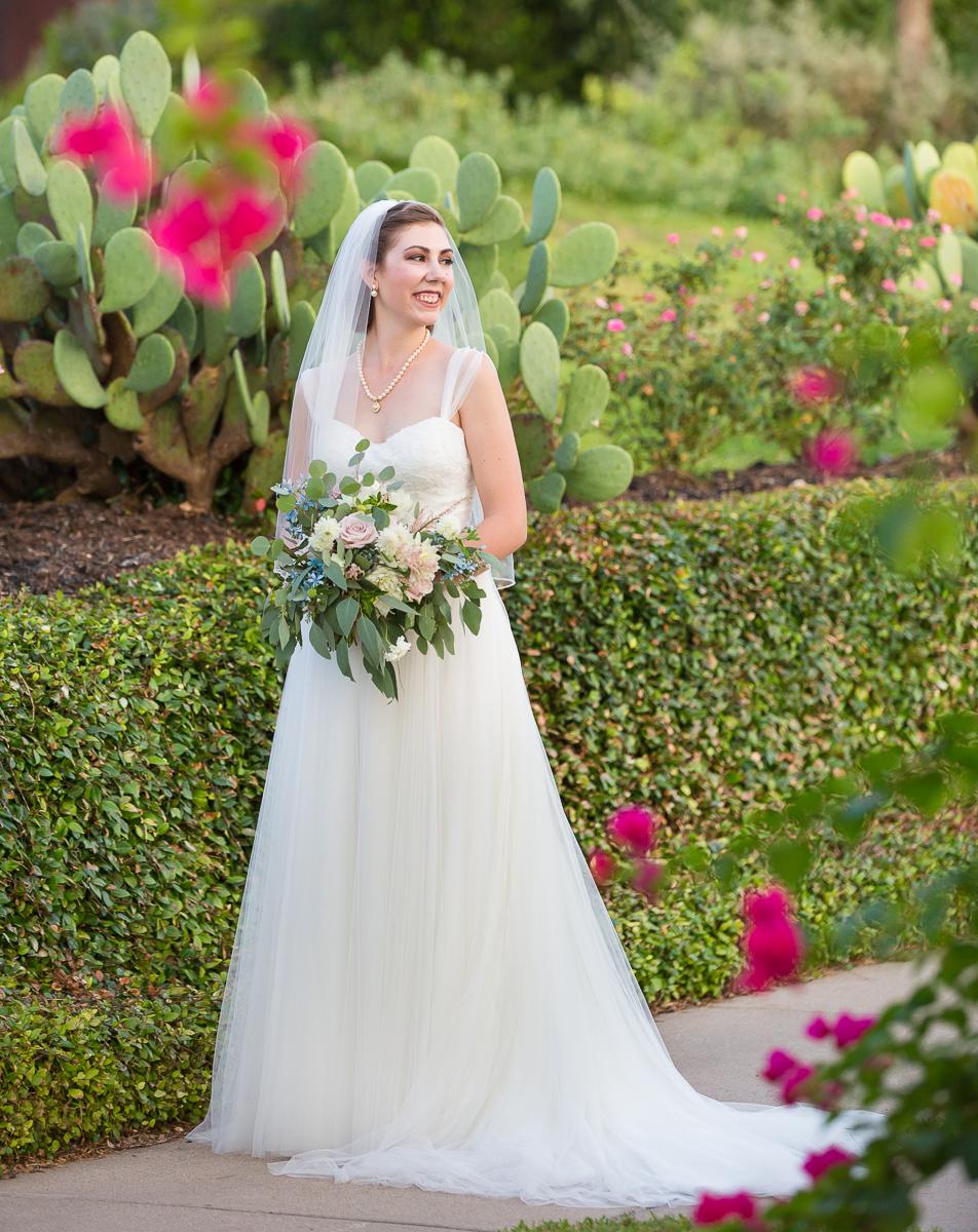 austin-texas-wedding-photo-and-video-vintage-villas-035.jpg
