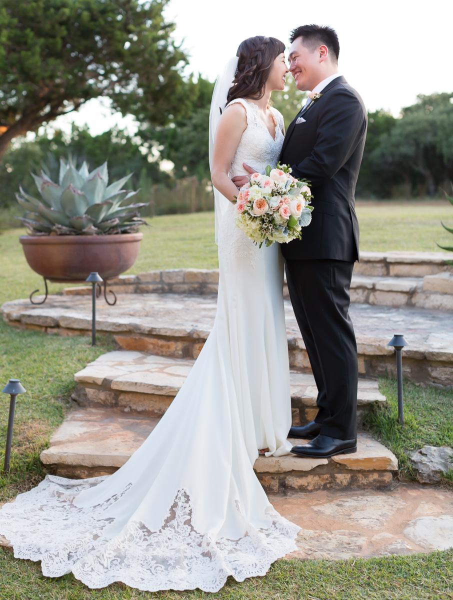Terrace-Club-Dripping-Springs-Photo-Video-Wedding-015.jpg