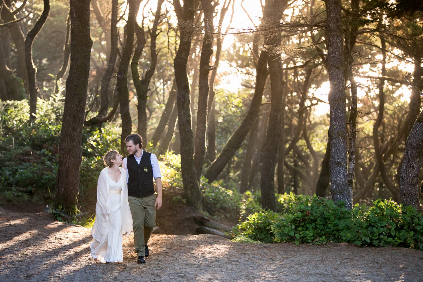 destination-wedding-photographer-oregon-coast-westwind-summer-camp-017.jpg