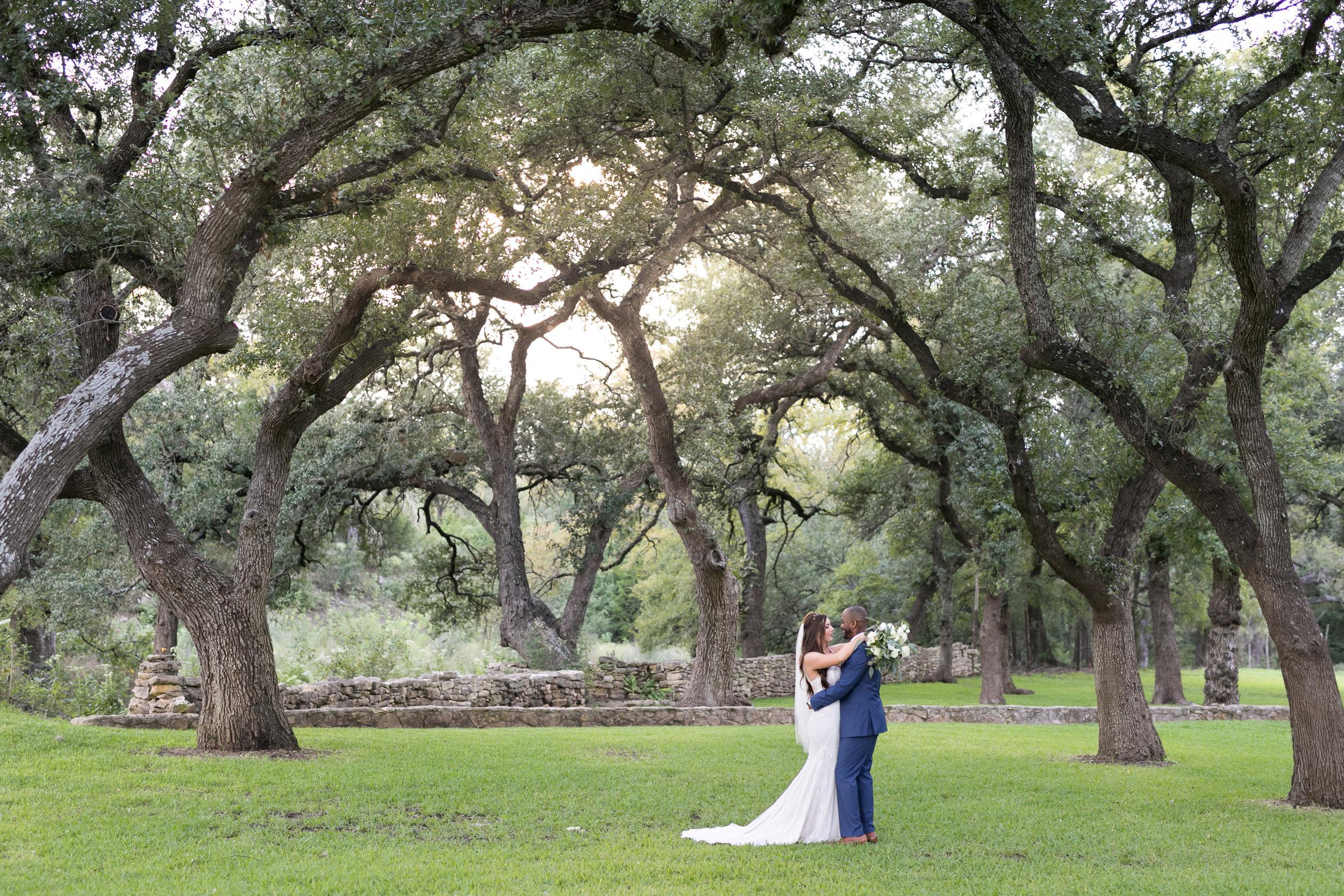 Addison-grove-wedding-dripping-springs-007.jpg