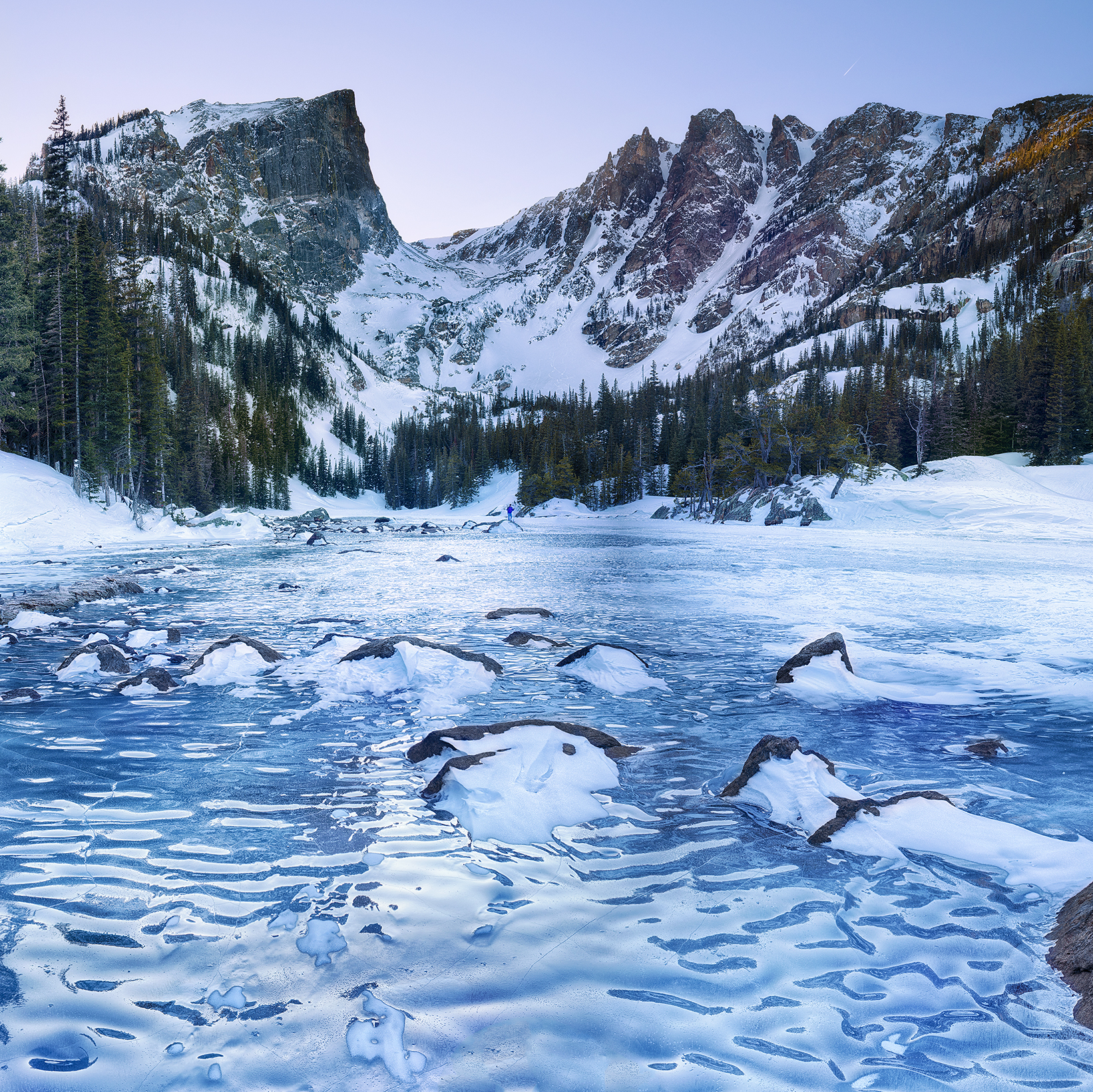 """Frozen Dream lake"""
