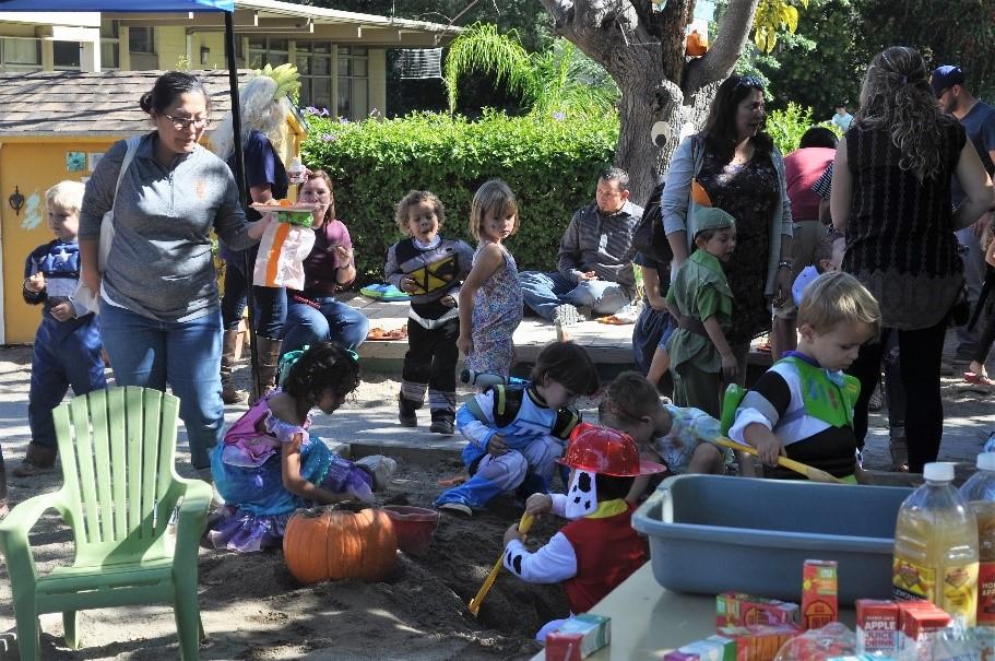 Claremont-Preschool-Halloween-Parade-2