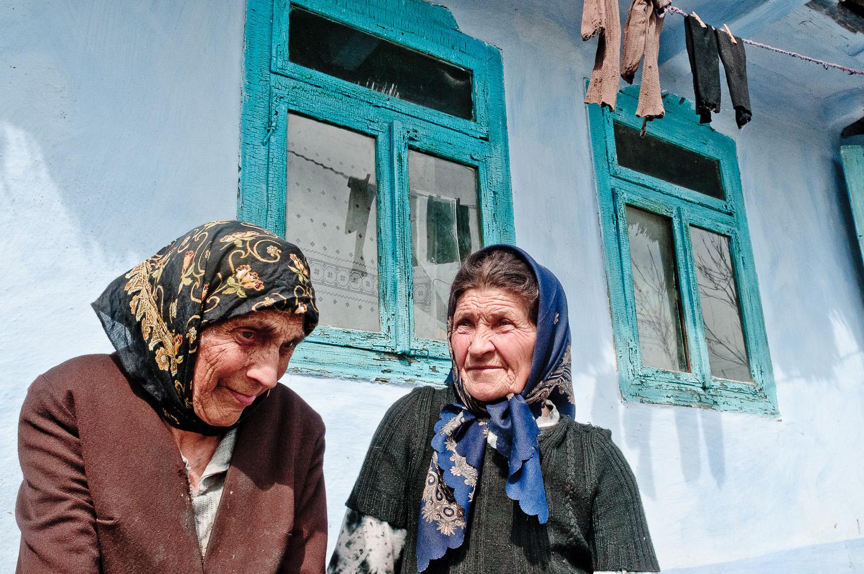 Alte Frauen in Rumänien.jpg