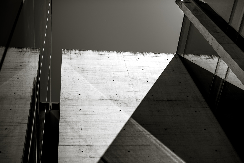 Schwarz-Weiß-Foto von der Universität Brixen