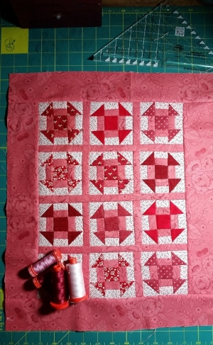 "Add the 2 1/2"" border strips to the top and bottom. Press to the border. Layer, quilt,  bind and then LOVE your quilt♥"