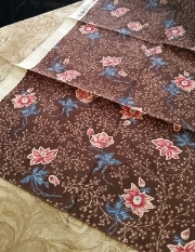 UNFOLDED FAT QUARTER NEEDS YOUR PRESSING ATTENTION