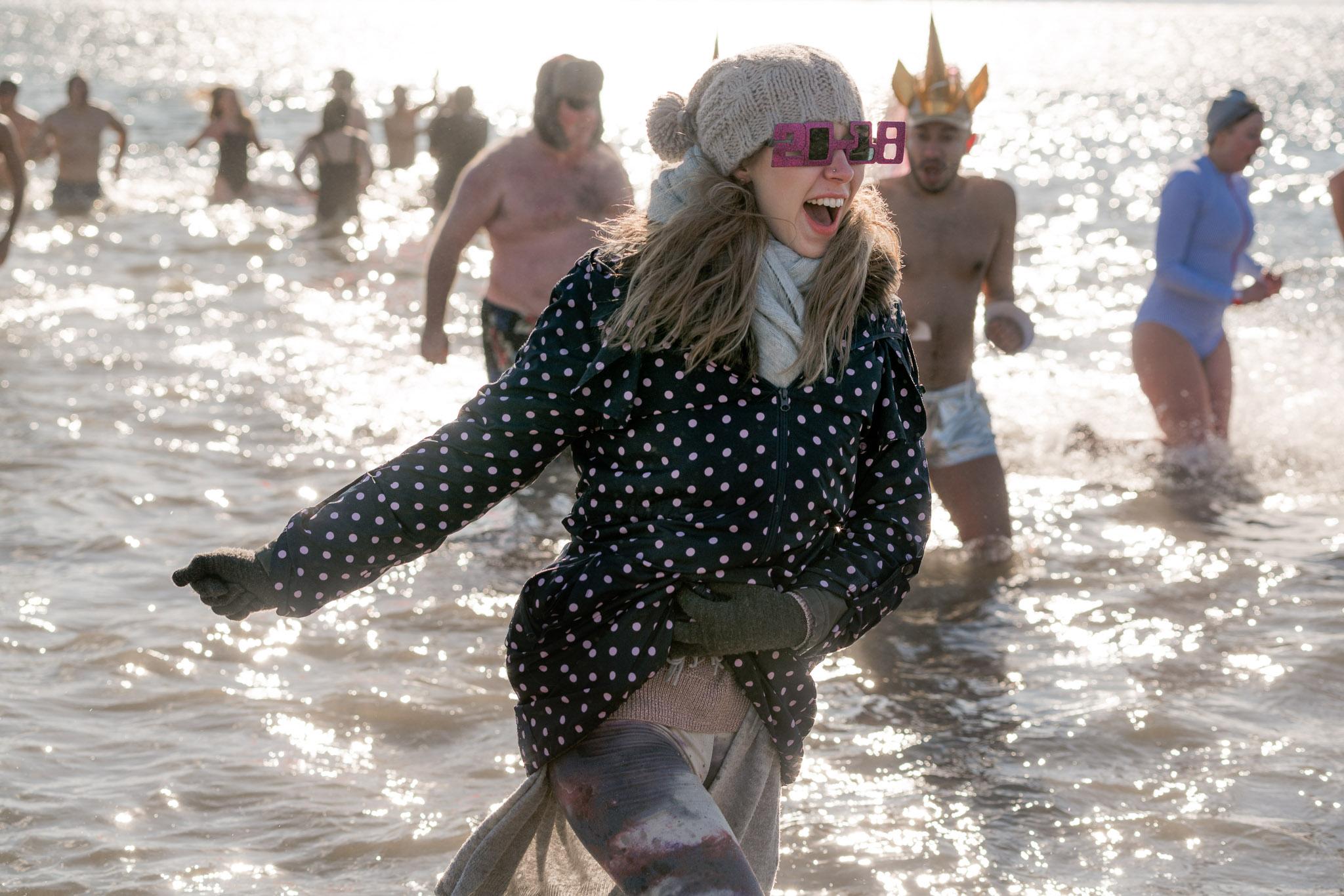2018_newyear_coney_polar_bear_swim_001.jpg