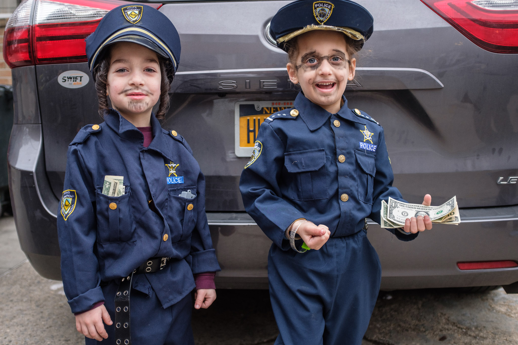 Something needs to be done about the rampant police corruption and police brutality that I witnessted during Purim this year :)